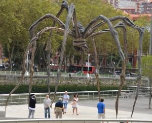 Escultura Mamá de Louise Bourgeois