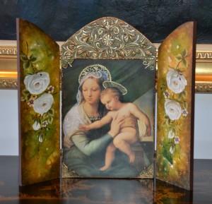Tríptico religioso, la puerta de Venecia.